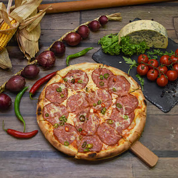 Pizza spicy salami
